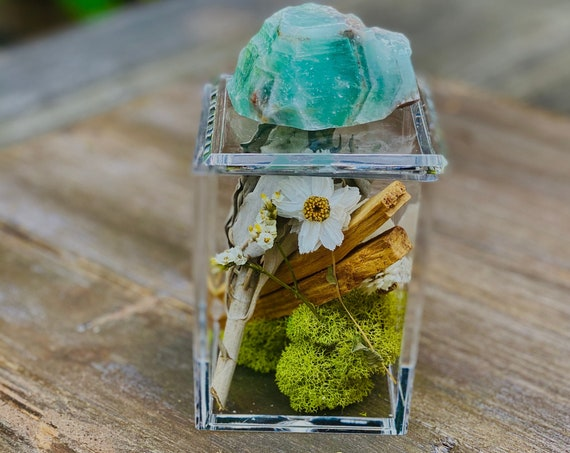 Acrylic Box with green calcite and sage bundles, crystal box, bundle, Clear Box, palo santo bundle, wellness gift set box, Crystal gift set