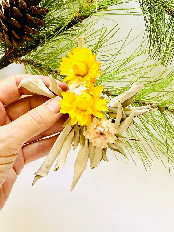 Sage wand ornaments with dried flowers, dried flower ornaments, farmhouse ornaments, tree ornaments, dried flowers, white sage ornaments