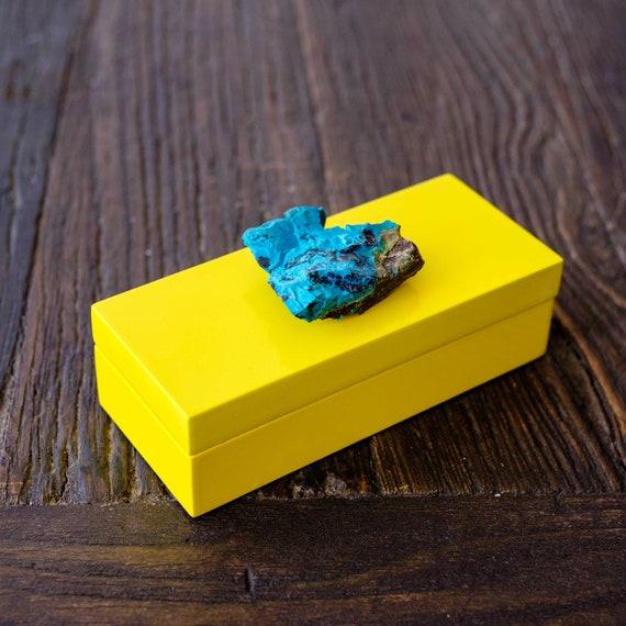 Small yellow lacquer box with azurite, Jewelry box, geode box, Lacquer box, Gift Box, Home decor box