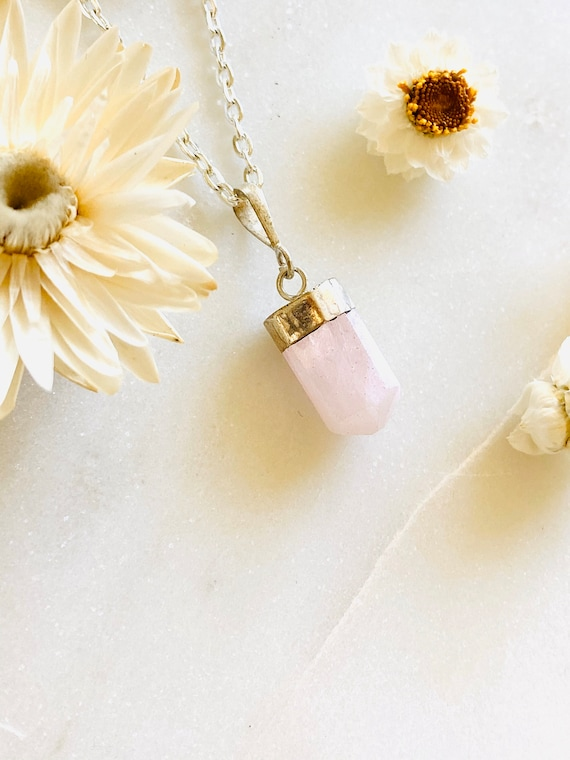 Kunzite Necklace, Raw Crystal Necklace, Crystal Pendant, Kunzite Jewelry, Raw Gemstone Necklace, Pink Crystal Necklace