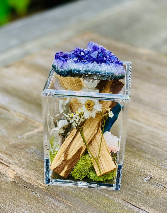 Acrylic Box with crystal and sage bundles, crystal box, Sage bundle, Clear Box, palo santo bundle, wellness gift set box, Crystal gift set