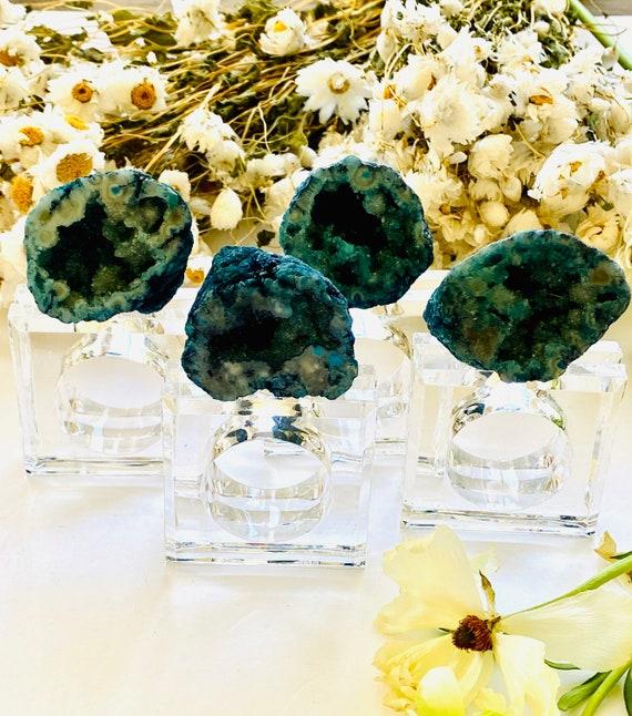 Blue Crystal Druzy geode napkin rings, Geode napkin rings, acrylic napkin rings, farmhouse table, Fall table decor, napkin rings, table art