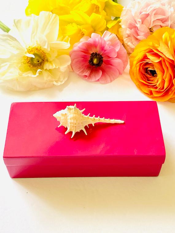 Small Pink lacquer box with Seashell, Pink lacquer box, Agate box, Desk decor, Home decor box, Nautical decor, blue gift box, seashell box