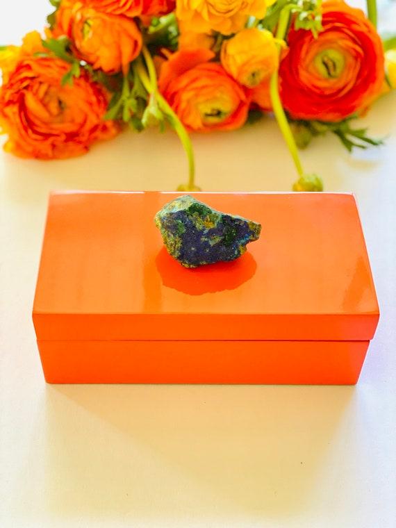 Medium Orange Lacquer Box with a Azurite Specimen, jewelry box, ring box, bridal gift box, azurite box, gemstone box, agate box, gift box