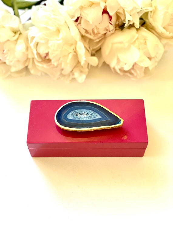 Small Pink Lacquer Box with Blue Agate, Agate box, geode box, gift box, Gifts for her, Gift box, jewelry box, Pink box, Ring box, Blue Agate