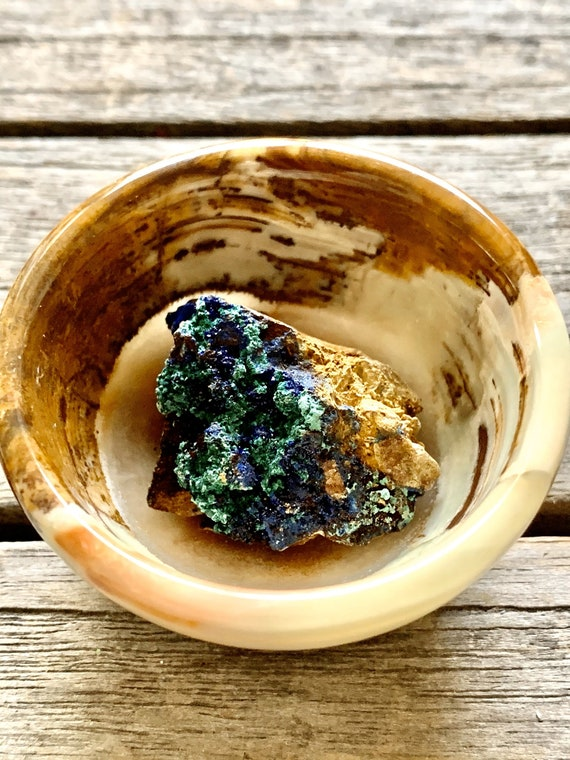 Very small onyx ring bowl with azurite specimen, onyx bow with crystal, wellness gifts, gemstone