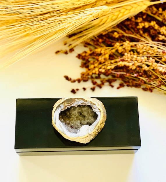 Black Lacquer box with glimmering geode , Gift Box, Bridal Gift Box, Geode box, agate box, gifts for him, watch box, ring box, jewelry box