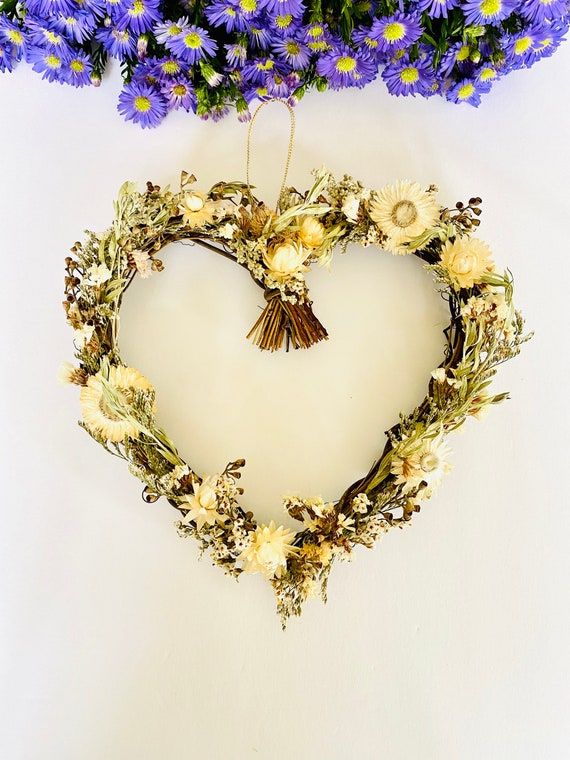 Valentine wreath with dried flowers and herb, dried flower wreath, flower wreath, dried flowers, front door wreath, heart Wreath, valentines