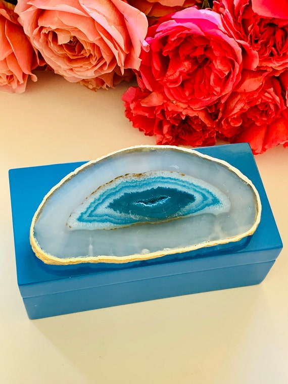 Medium Blue Lacquer Box with Teal Green Blue Agate, Blue Box, Jewelry box, Agate box, Geode Box, Chakra Gift, Ring Box