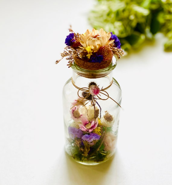 Terrarium w/ dried flowers, diffuser, aromatherapy, floral fragrance jars,