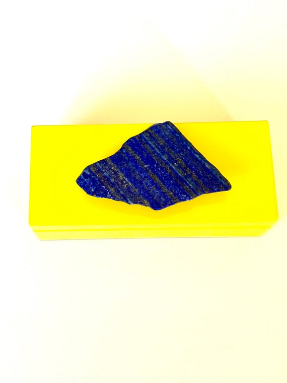 Small yellow lacquer box with a Lapis slab, Jewelry box, Lapis box, Lacquer box, Gift Box, Home decor box, jewelry box, gifts for her, Lapis