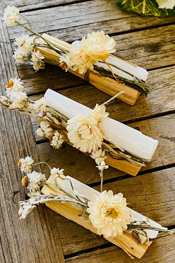 Palo santo, White sage and selenite gift set, Palo Santo, incense, reiki, spiritual gifts, palo santo bundle, crystal, selenite, White Sage