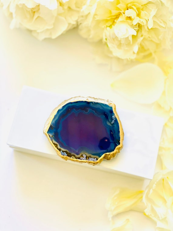 Small White Lacquer Gift Box with a Blue Agate, one of a kind, Blue Agate, Gift Box, Jewelry box,