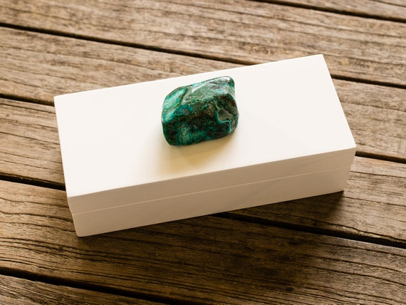 Small White Lacquer Gift Box with a Azurite and Malachite Specimen, one of a kind
