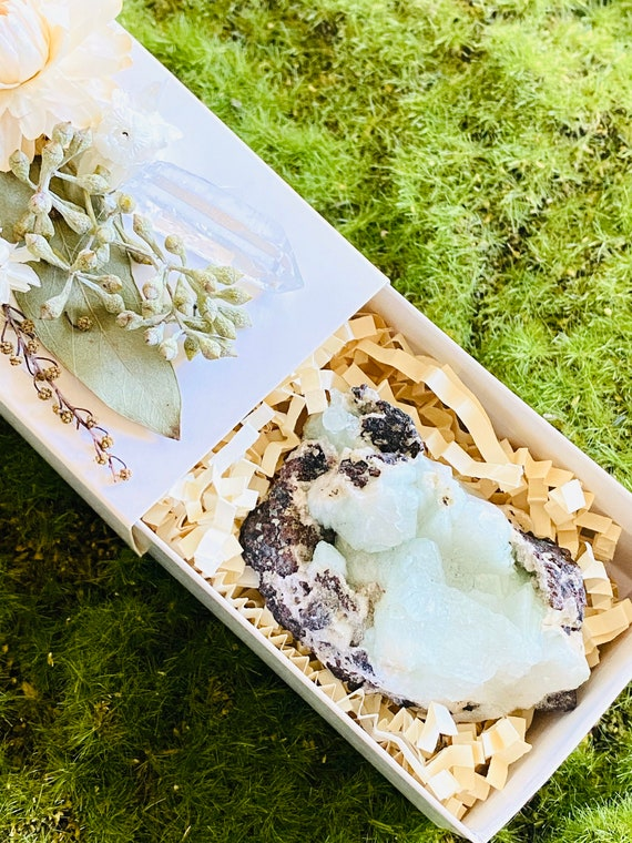 Crystal Gift Box, Geode Crystal Gift Box, Get Well Soon Crystal Gift Box, Self Care Package, Wellness Crystal Gift Box, Green Apophyllite