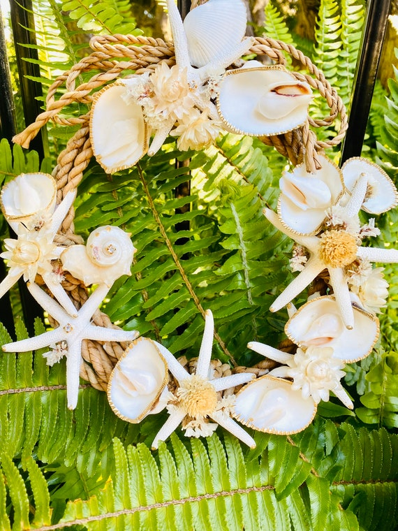 Seashell Wreath, Seashell Door Hanger, Beach Decor, Coastal Decor, Seashell Decor, Wreath, Beach wreath, Wreath
