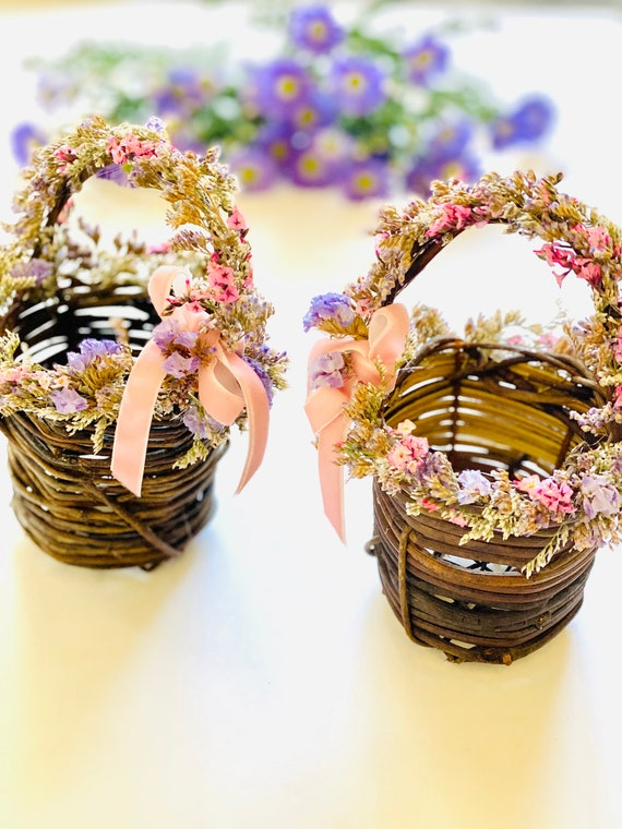 Dried flower basket for the table, Easter basket, flower basket, table decor, Easter decor, Easter gift.