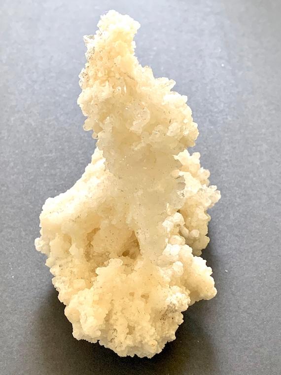 Aragonite Crystal Cluster, Crystal Gemstone, Raw Natural crystal, crystal Healing, crystal object, Desk decor, paperweight