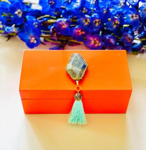 Medium orange lacquer box with labradorite gemstone and tassel, Orange gift box, Jewelry Box, Ring Box, Orange box, Labradorite