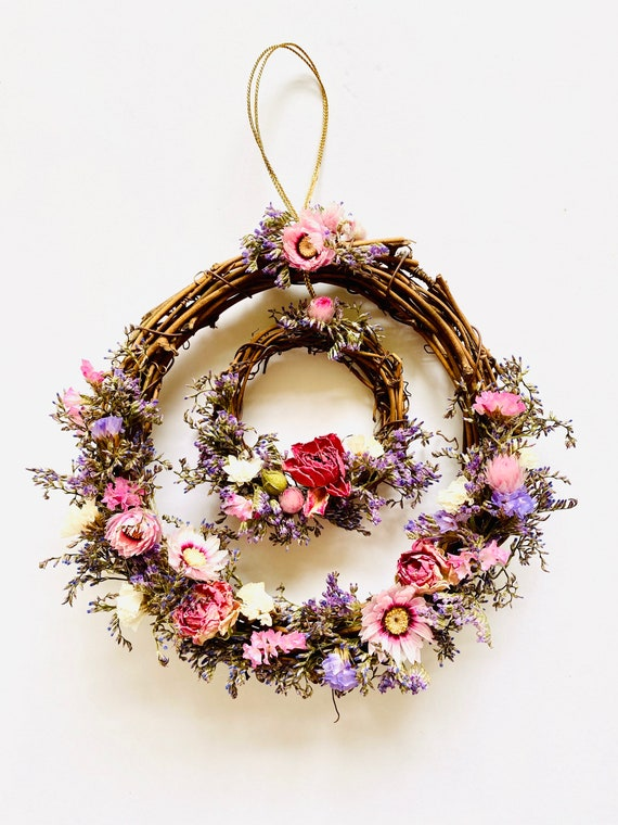 Botanical wreath w/ dried flowers and herbs, dried flower wreath, flower wreath, dried flowers, wreath, straw flower wreaths, dried flowers