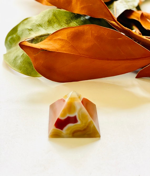 Natural agate pyramid, agate, paperweight, agate paperweight, carved agate, desk accessory, gifts for Dad