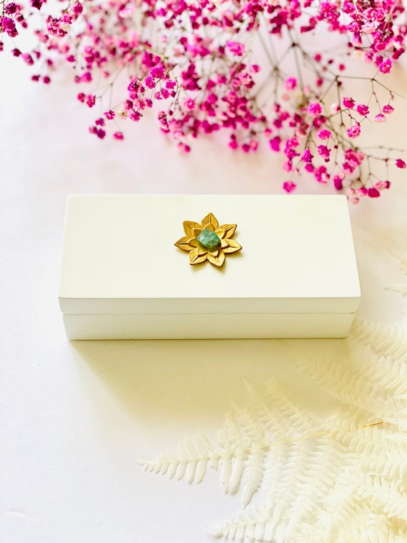 Small White Lacquer box with Brass Lotus and Apatite, Gift Box, Bridal Gift Box, Lotus Reiki Gift