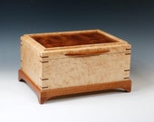 Birdseye Maple Jewelry Box with Pommel Sapele Veneered Lid