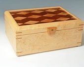 Birdseye Maple Keepsake Box with Diamond-pattern Inlay