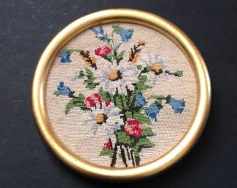 Floral Needle point in gold frame 50s Daisy red flowers bunch