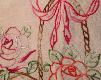 French Vintage  flower embroidery 1930 roses bunch flowers bow