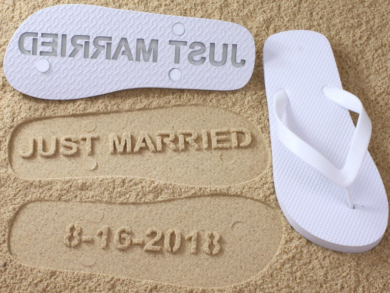 3bd9eccce Custom Bridal Flip Flops Wedding Date Note  Choose your size