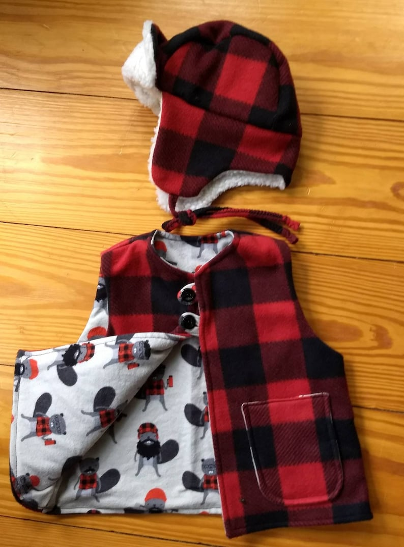 551b1f39329 Buffalo plaid red and black fleece vest and hat with Kaufman