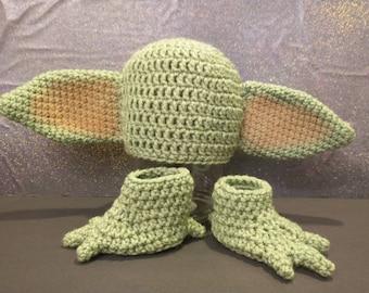 Baby Yoda Inspired Big Eared Alien Baby Photo Prop Set Hat & Booties * Newborn - 12 mos.