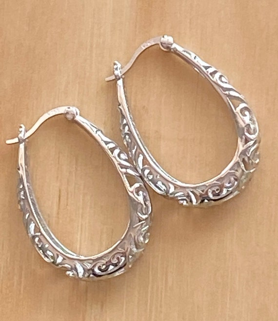 Silver Jewelry Oval Hoops. Flower Filigree 925 Sterling Silver Earrings