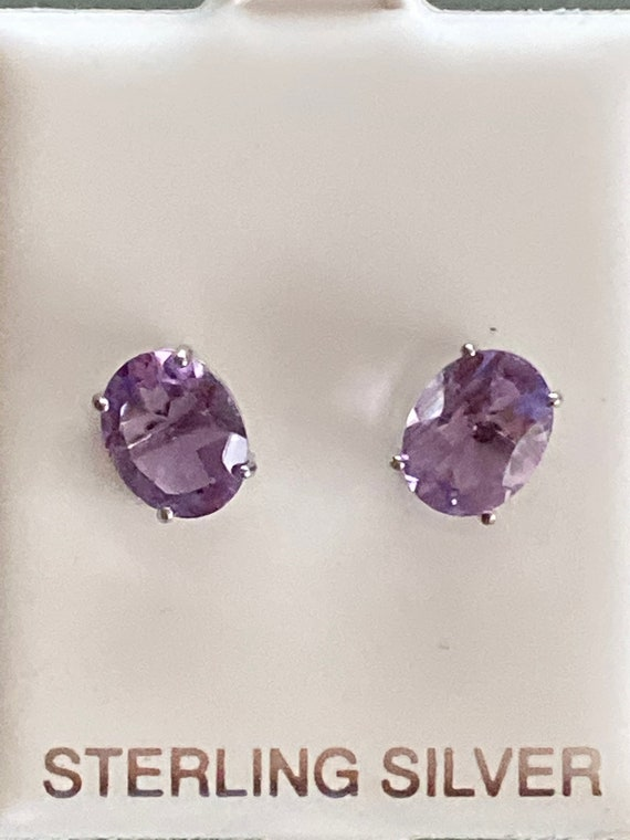 Amethyst studs Earrings. Oval. 925 Sterling silver.
