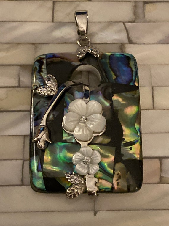 Pendant Handcrafted Abalone and Mother of Peal Shell Flowers