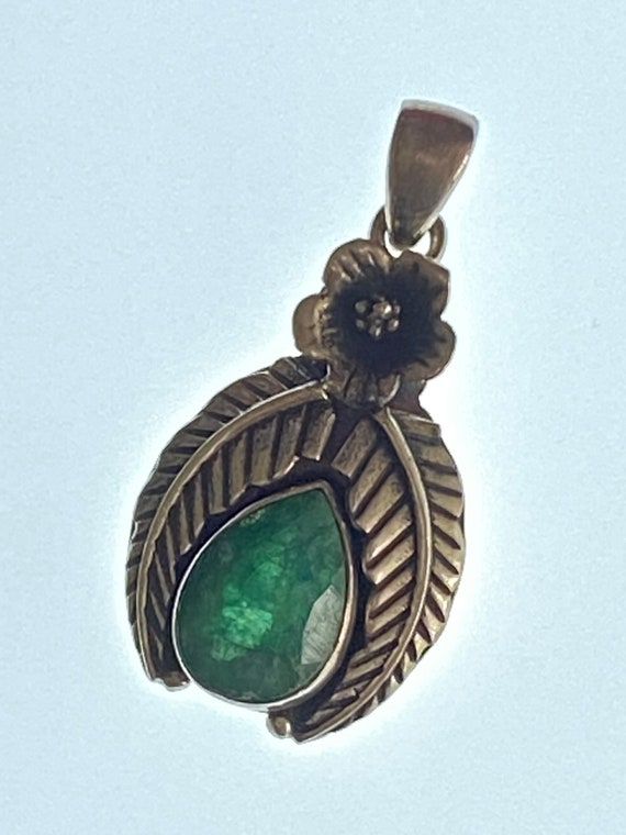 Natural Emerald Pendant Handcrafted India 925 Sterling Silver