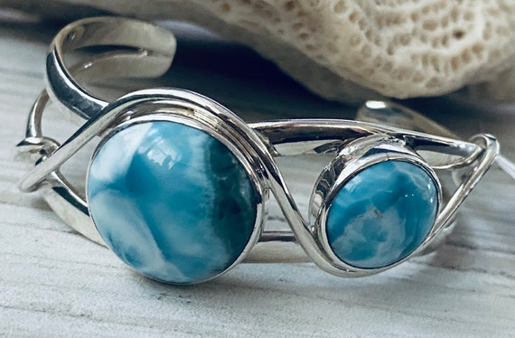 100% High Quality Sterling 925 Natural Larimar The Caribbean Gemstone Women Bracelet Bangle