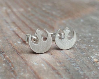 Stud Earring Pair with Cabochon Picture avocado silver different sizes