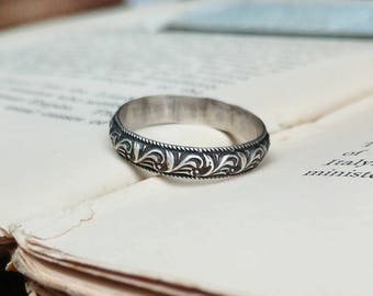 Sterling Silver Patterned Victorian Style Filigree Ring