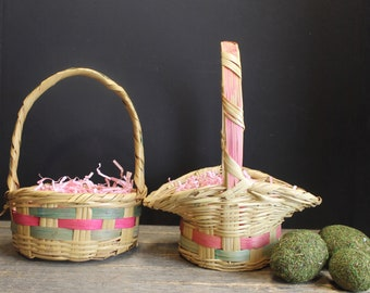 2 Vintage Woven Easter Baskets // Fluted // Small Round