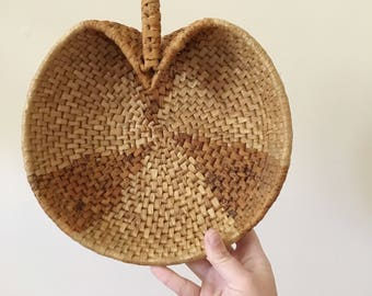 Vintage Wicker Apple Coil Bowl Basket -- Wicker Woven Basket -- Boho Home Decor