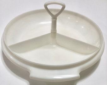 Vintage Tupperware divided dish