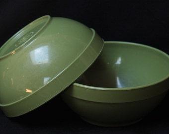 Set of vintage bowls from Shamrock Plastics Co.