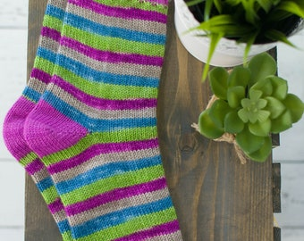 Simple stocking jersey pattern, perfect for beginners in French  and English