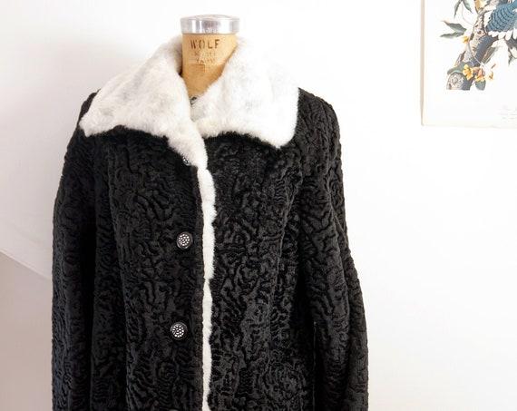 Vintage Winter Coat Black Faux Lamb Wool Boucle Look Heavy Jacket Ornate Silver Buttons Faux Fur Collar Trim White Black Woman's Medium Coat