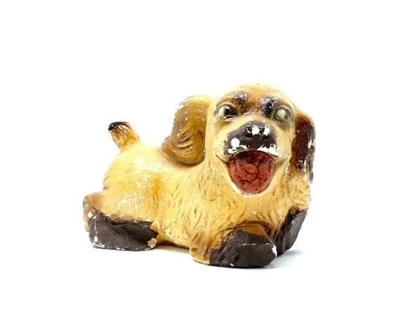 Vintage Chalkware Dog 1950s Cocker Spaniel Chalk Ware Painted Puppy with Ball in Mouth Carnival Prize Shabby