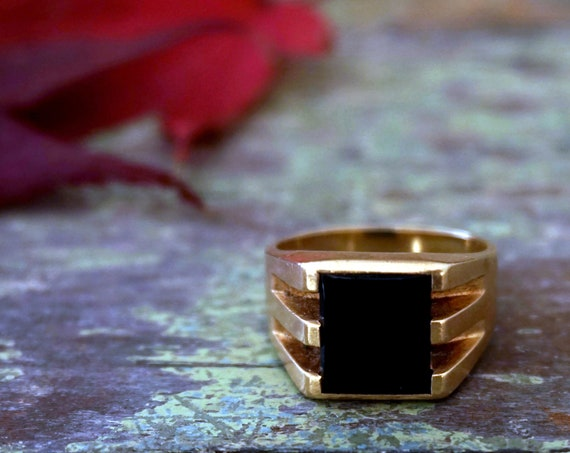 Vintage Onyx Ring 14K Gold Men's Ring Chunky Rectangular Polished Black Stone Set in Yellow Gold Opened Stripe Sides 60s Mid Century Jewelry