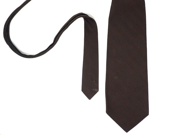 Vintage Brown Tie Very Wide Necktie Ribbed Polyester Solid Color Chocolate Brown 1970s Mens Accessory