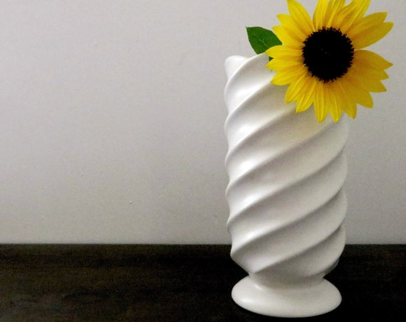 Vintage White Vase Swirl Design Dutch Delft White Magic Vase Matte Ceramic Pedestal Base Mark Holland 690 SP Pottery Made in The Netherlands
